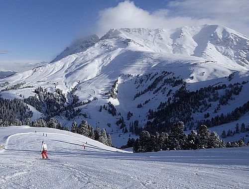 ski-center-latemar-1.jpg